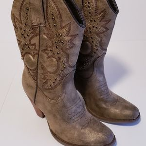 Very Volatile Cowgirl Boots 6